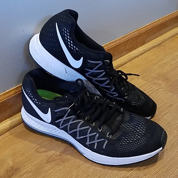 official photos 4617e 3c31d Nike Zoom Pegasus 32 Mens Black Running shoes